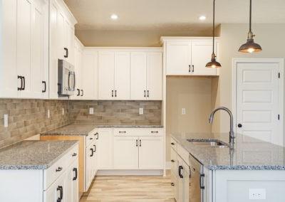Custom Floor Plans - The Willow II Americana - Willow-II-Americana-1552c-SDWG22-1570-Yosemite-Drive-Grand-Ledge-MI-12